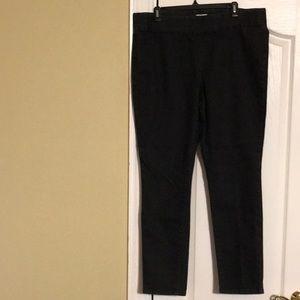 3/$20 St. John's bay pull on jeans